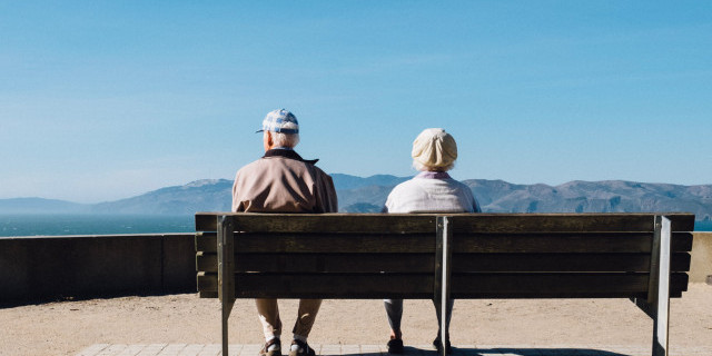A big decision for retirees: The best way to turn your super into income image